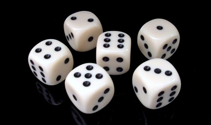 números de la suerte dados