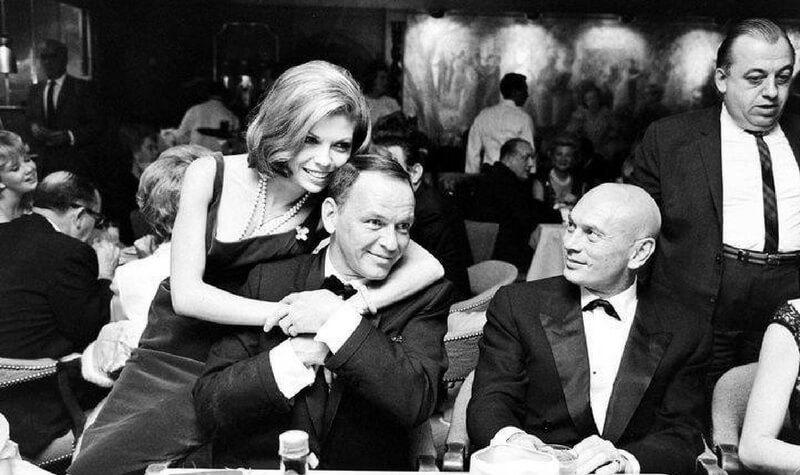 Los Sinatra en The Sands Casino
