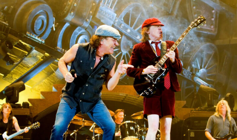 ACDC cantando The Jack